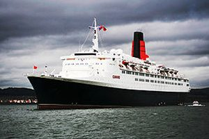Luxury Liner QE2