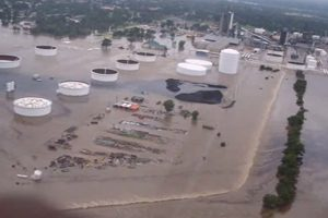 Coffeyville Resources Refinery Running After Oil Spill