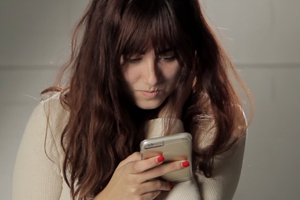 Cell Phones Linked to Skin Allergies