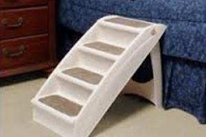 Domestications Recalls Bed Steps Due to Fall Hazard
