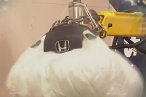 Eight Million Car Owners Urged to Replace Defective Air Bags Immediately