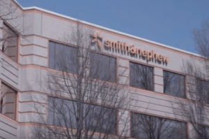Device Maker Smith & Nephew