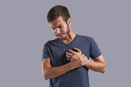 Heartburn Med Taken with Antibiotic May Cause Irregular Heartbeat