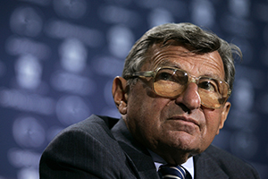 Joe Paterno Announces Retirement, as Penn State Child Abuse Scandal Grows