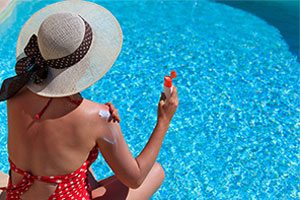 Sunscreen and Chlorinated Pool Water may be Carcinogenic Mix