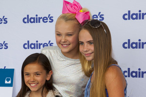 Dance Moms' Star JoJo Siwa's Makeup Recalled Due to Asbestos Contamination