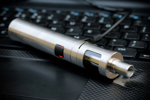Federal Court Gives E-Cigarette Companies 10 Months to Apply for FDA Approval