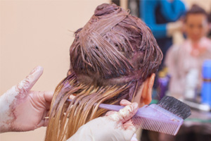 Breast Cancer Risk Increased in Women Who Use Permanent Dye, Straightener