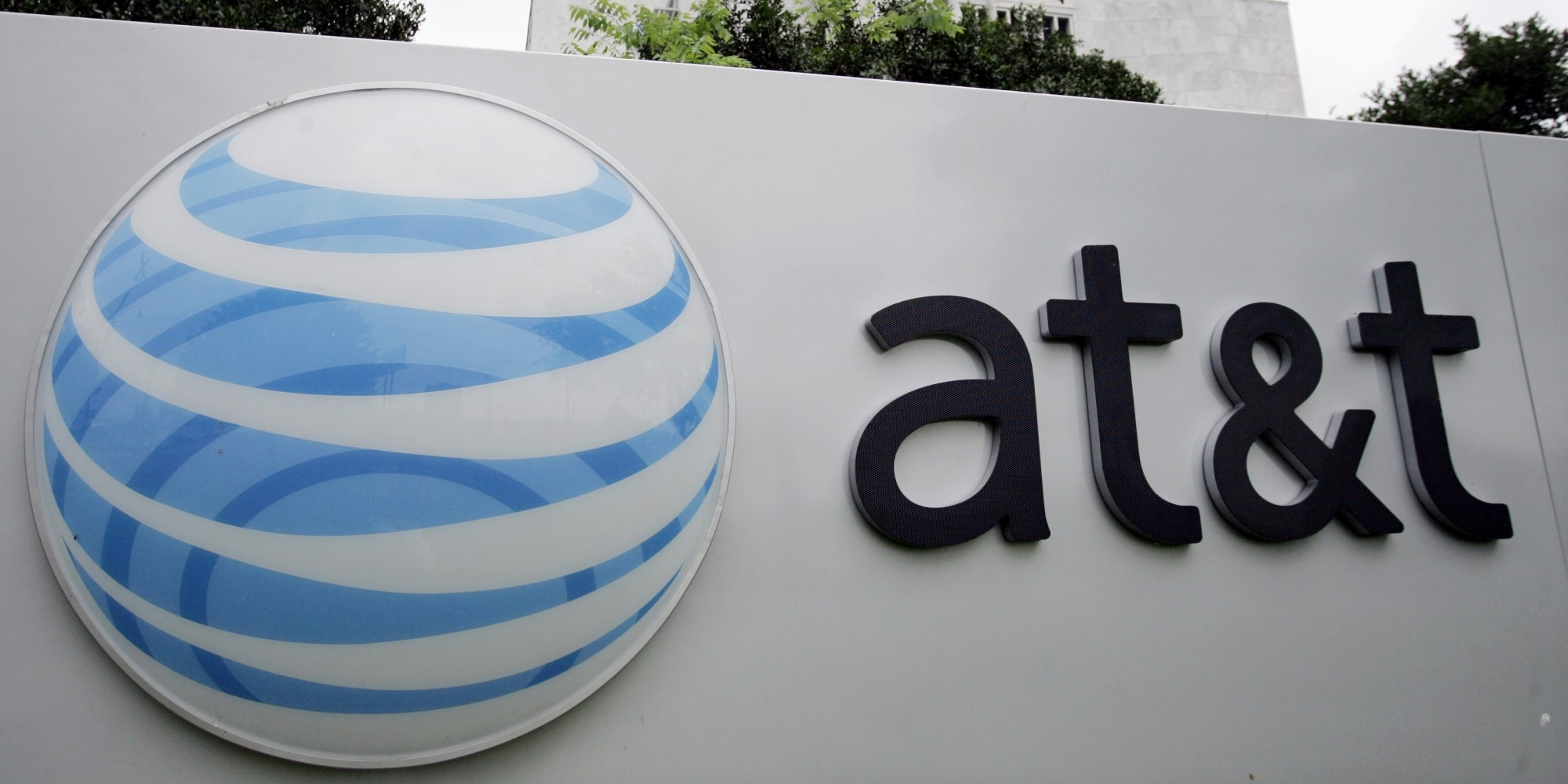 AT&T_to_Pay_105_Million