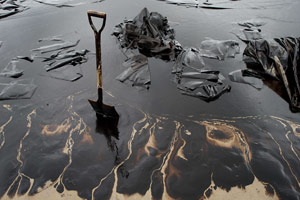 Oil Spill into Yellowstone River Raises Concerns about Aging Pipelines