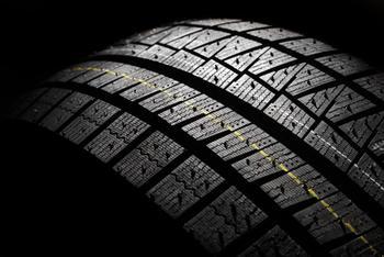 Senator_Raises_Questions_about_Tire_Safety