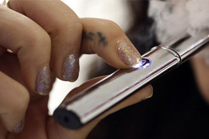 Teens are Likely to Try Smoking if they Try E-Cigarettes