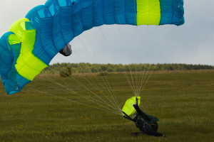 New york city man dies in skydiving accident